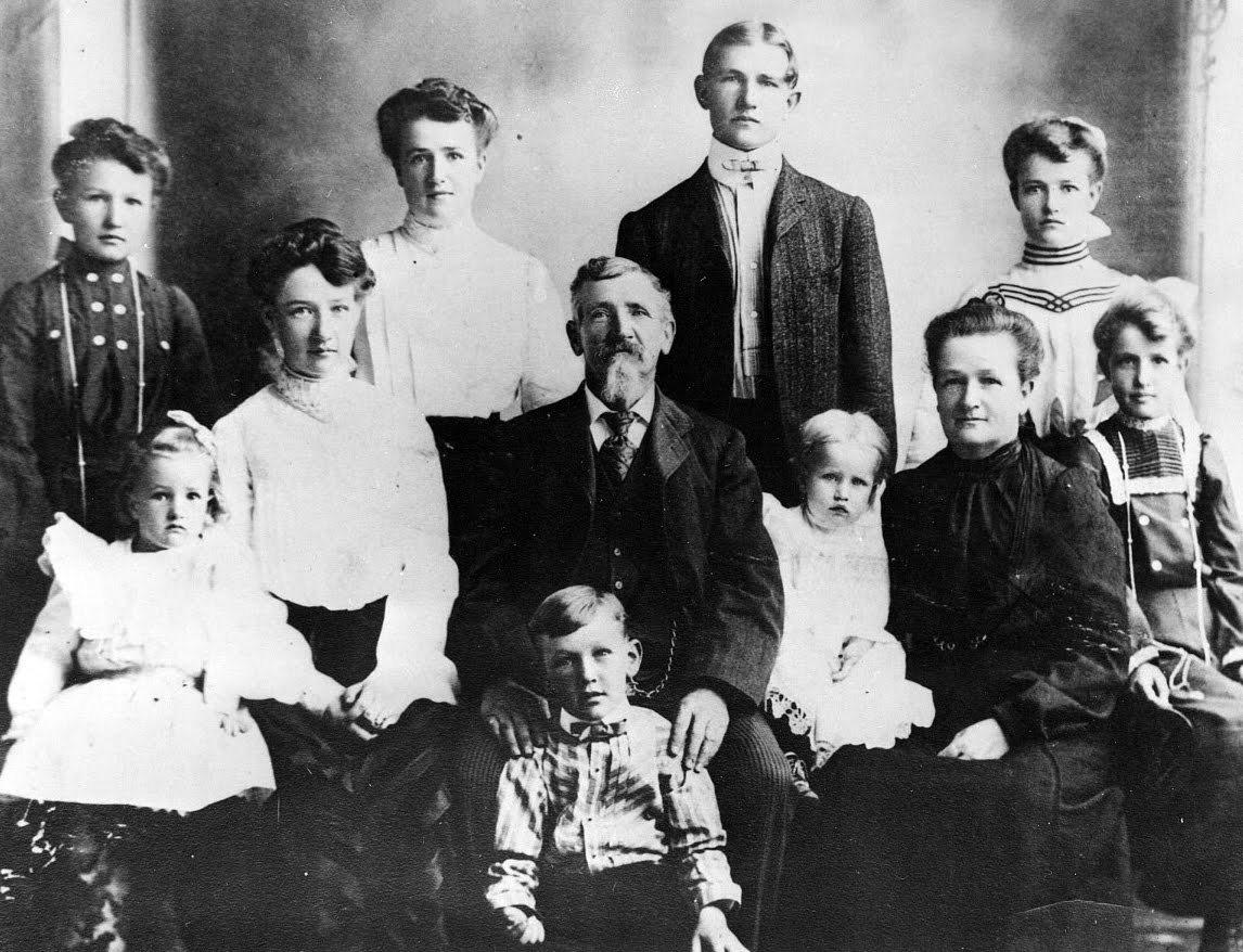 Delia-Crockett-Curtis-family