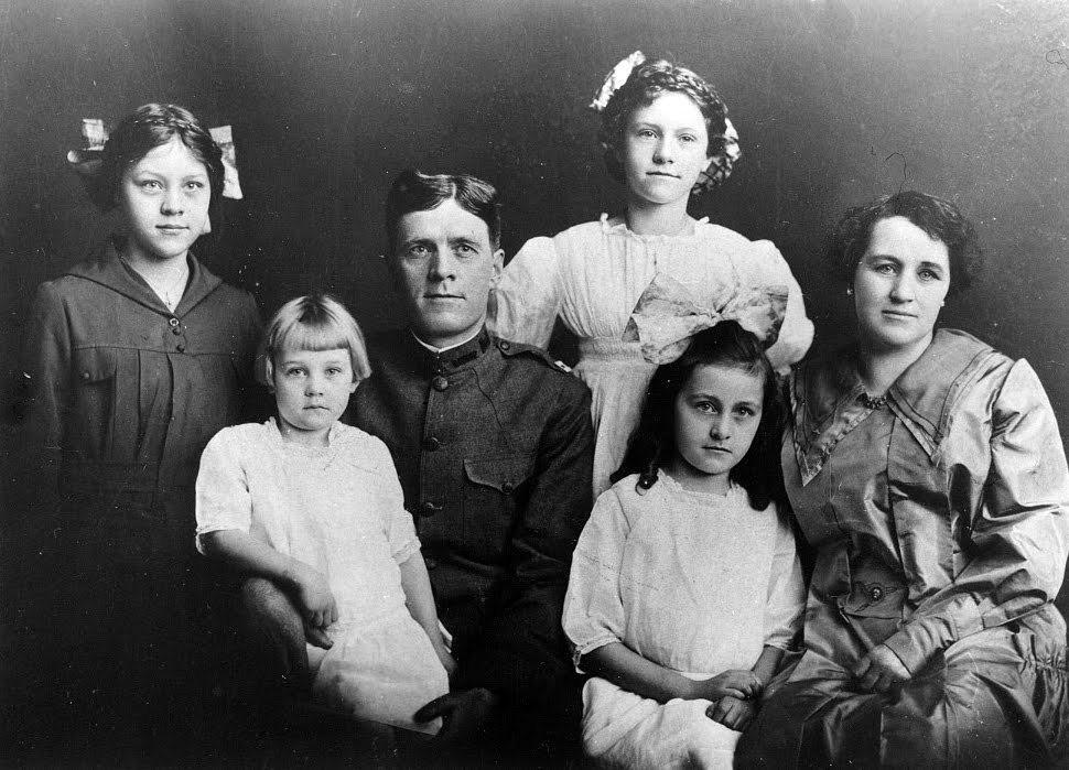 Ella-Sabra-Crockett-Smith-family