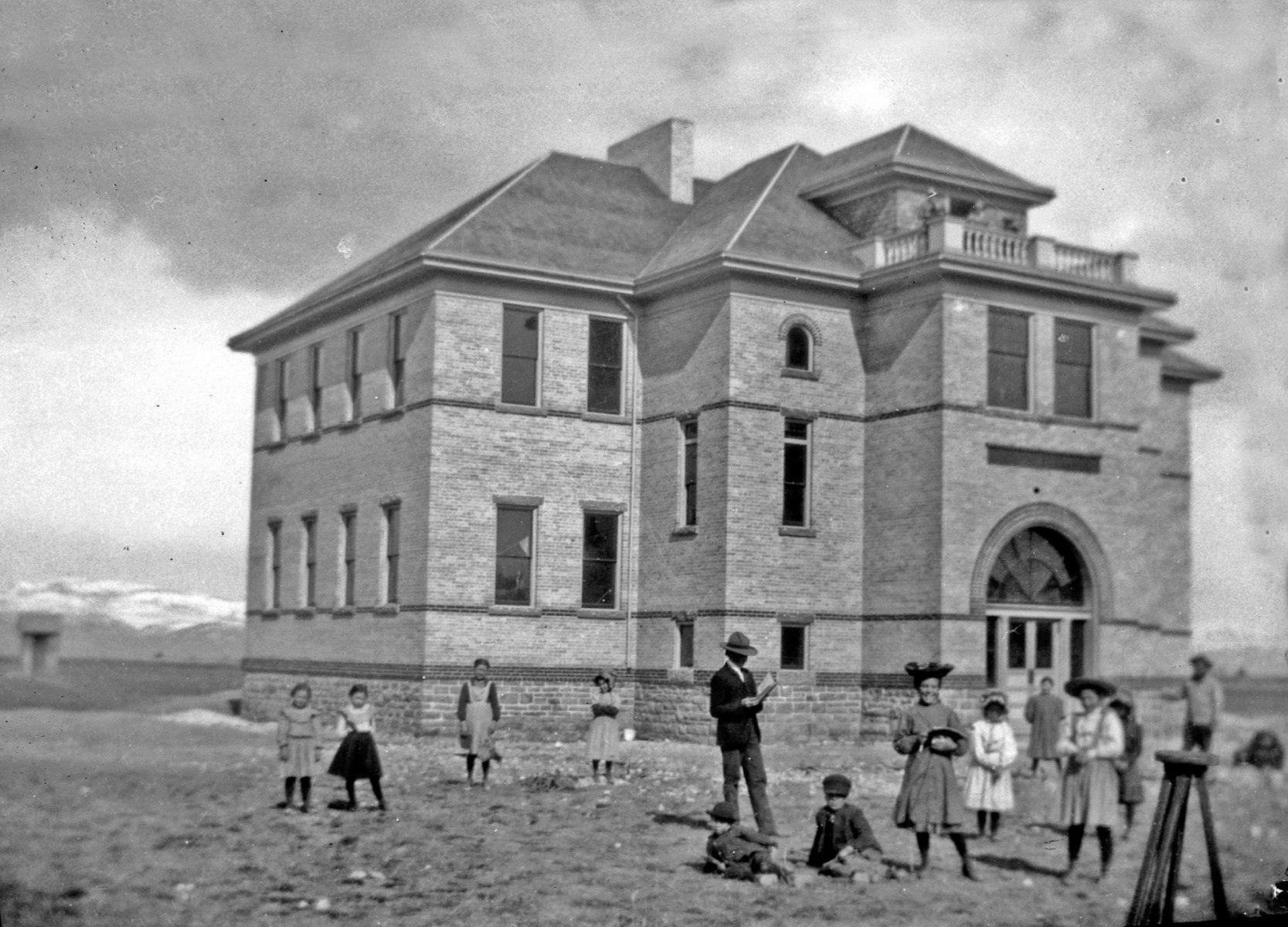 Dingle-School