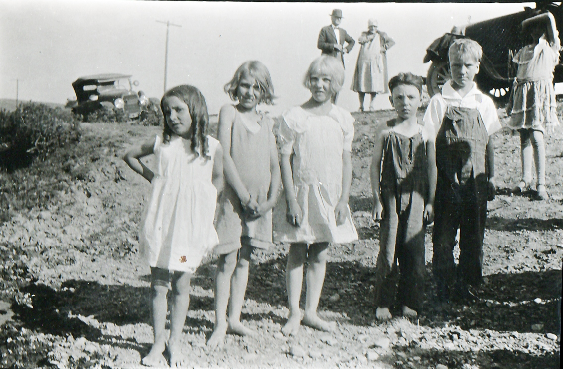 Helen-with-cousins