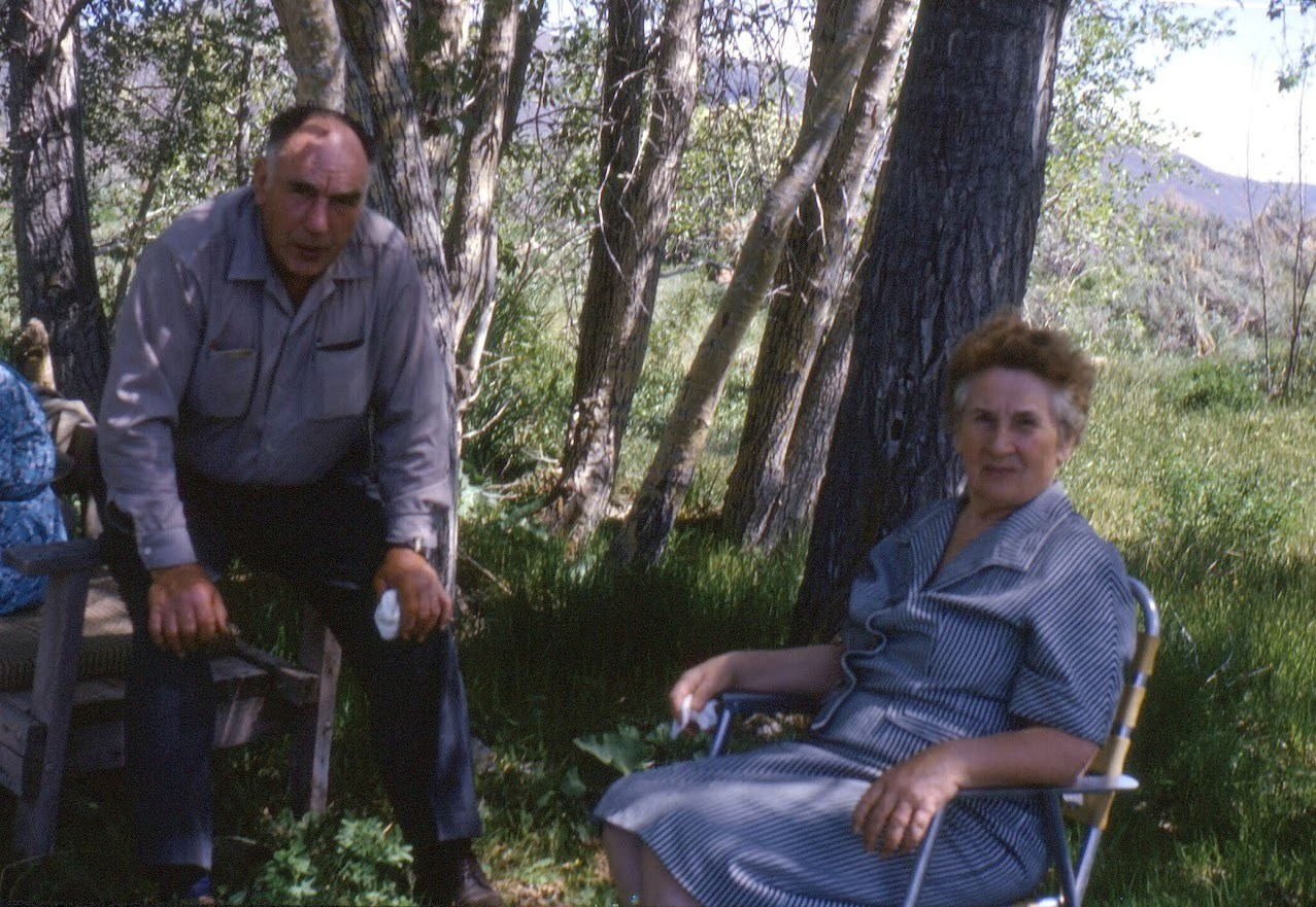 Kenneth Ream and Beulah Ream - Hooper Springs - June 1966 (7-59B)