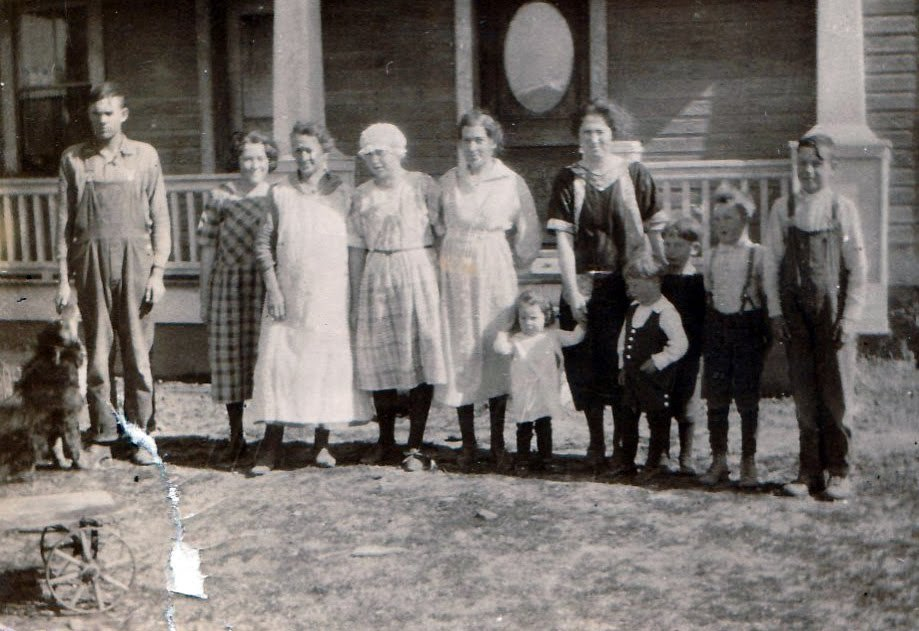 Mamie-Helen-Lane-Jean-others-1921