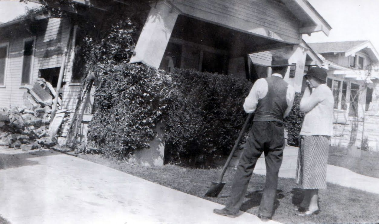 WC-Wright-and-wife-after-1933-earthquake