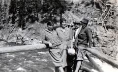 Ida-Nora-Will-and-Beulah-at-Mammoth-Falls