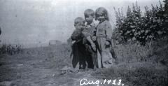 L-R Lane Ream, Jean Ream and Hellen Ream August 1923