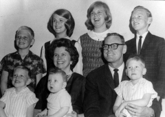 Marilyn-Ream-and-Charles-Varley-family