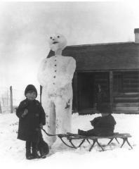 Snowman-scaled